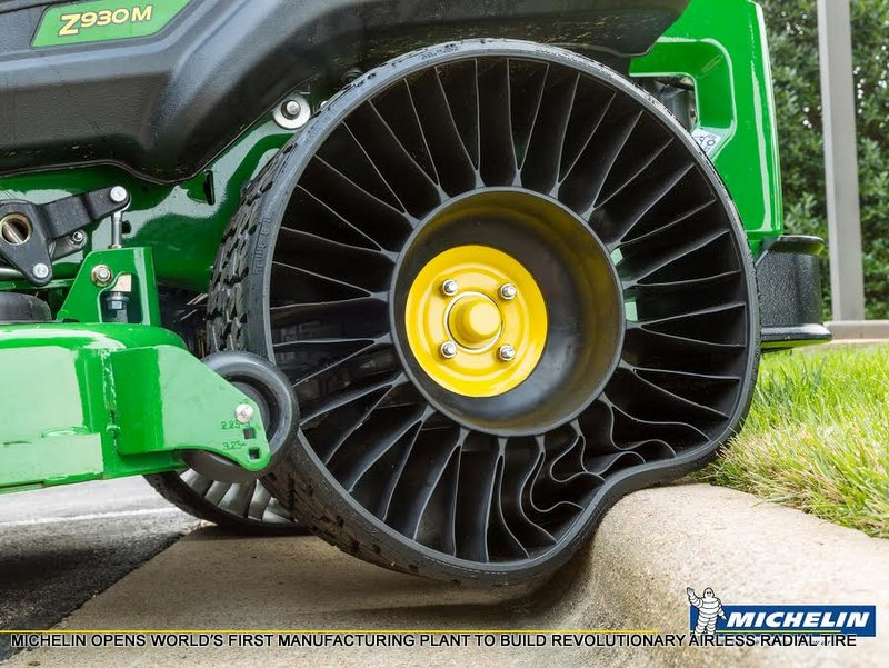John Deere ZTrak 900 zero turn mower with Michelin X Tweel airless tires