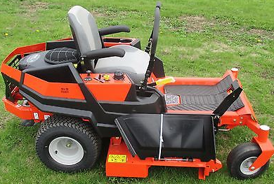 2015 Ariens Ikon-X Side View, Engine is located slighty forward