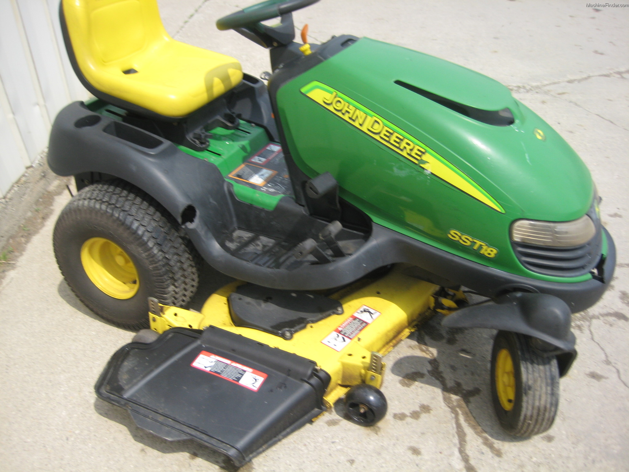 John Deere Zero Turn Mowers : Do you really need a steering wheel controlled zero turn